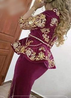 Oriental Wedding, Gold Work, Muslim Fashion, Traditional Outfits, Fasion, Costumes, Wedding Dresses, Coat, Model