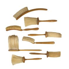 Brooms And Brushes, Natural Brushes, Antique Interior, Homekeeping, Brush Cleaner, Paint Brushes, Brush Set, Cleaning Hacks, Decorative Accessories