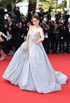 5891e2f78c6f Cannes 2014 alfombra roja  Araya A. Hagate Ladies Evening Wear