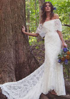 Daughters of Simone 2016 Bridal Collection #weddingdresses @weddingchicks