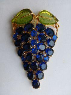 Weiss Brooch Blue rhinestones and green molded glass grape bunch X79 #Weiss