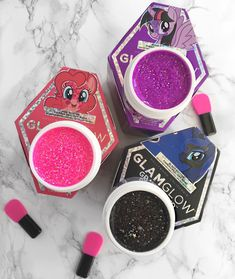 Today, we're taking Monday by the hooves and we're saying ! Glam&Glow x My Little Pony Gl Beauty Box, Beauty Make Up, Beauty Care, Beauty Skin, Beauty Hacks, Make Com Glitter, Glitter Girl, Glossy Makeup, Skin Makeup