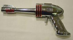 Strato Gun (Futuristic Products Co. / 1953 / U.S.) - Metal chrome plated cap gun