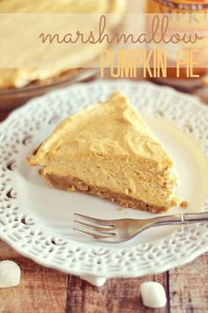This marshmallow pumpkin pie is light, and fluffy, and tastes like pumpkin pie and whipped cream all in one. Yum!!