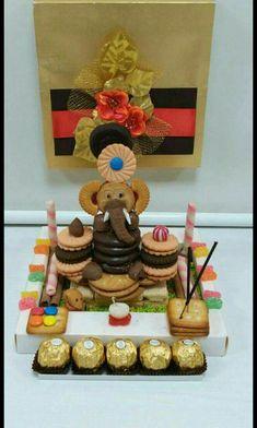 Home - Quora Arti Thali Decoration, Ganpati Decoration At Home, Diwali Decorations At Home, Ganapati Decoration, Fruit Decorations, Festival Decorations, Biscuit Decoration, Food Decoration, Candy Crafts