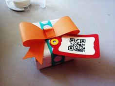 QR code gift and message - #QR CODE per un segreto messaggio. Would make for cute white elephant or secret Santa reveal gift tags.