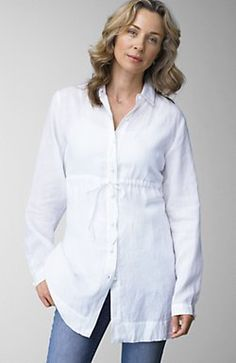 can't find a really long button down. great w/ skinny jeans/jeggings White Shirt And Jeans, White Linen Shirt, Linen Shirts, White Shirts, Sewing Clothes Women, Women's Clothes, Clothing Ideas, Clothes For Women, Fashion Sewing