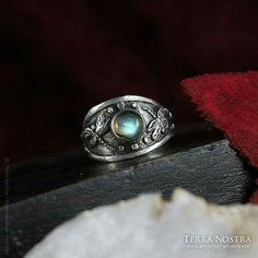 Custom wedding ring Custom Wedding Rings, Wedding Bands, Class Ring, Pretty, Jewelry, Fashion, Moda, Jewlery, Jewerly