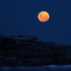 Super moon Bondi, NSW, Australia 6/5/2012