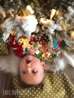 DIY Baby Christmas Pictures at Home: Tips, Ideas and How-To's