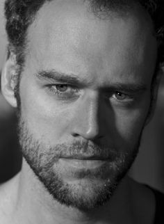 Elliot Cowan - Sinbad, Da Vinci's Demons, Hammer of the Gods, The Golden Compass ...