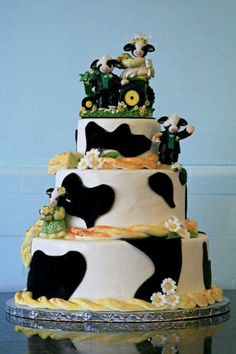 Awesome Four Layer Cow Cake with Yellow Details the Mary's Moo Moos Topper! Cow Cakes, Cupcake Cakes, Cake Icing, Eat Cake, Beautiful Cakes, Amazing Cakes, Zombie Wedding Cakes, Cow Ornaments, Farm Theme