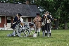 You're not going to want to miss Old Bethpage Village Restoration's Huntington Militia Revolutionary War Encampment tomorrow! Visitors will be able to observe marching drills, musket firing, and camping just as it was done 240 years ago! See the article below for more info!