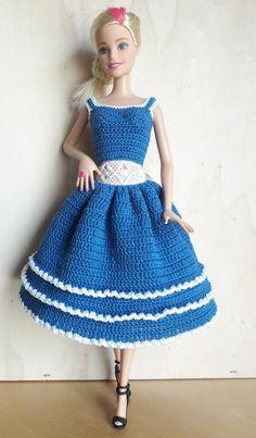 Irresistible Crochet a Doll Ideas. Radiant Crochet a Doll Ideas. American Girl Outfits, Crochet Doll Dress, Crochet Barbie Clothes, Barbie Gowns, Barbie Dress, Baby Tutu Tutorial, Barbie Patterns, Doll Costume, Handmade Dresses