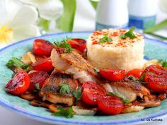 Smaczna Pyza: Dorsz smażony z pieczarkami i pomidorami