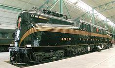 Museu Ferroviário Virtual - Bela locomotiva elétrica da Pennsylvania Railroad (PRR - EUA), modelo GG-1, fabricada em 1943