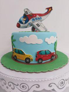 Tarta, coches y avión en Palma de Mallorca Chocolate, Birthday Cake, Desserts, Food, Candy Table, Cars, Majorca, Tailgate Desserts, Schokolade