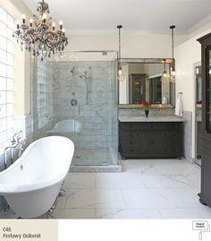 Jasna łazienka wstylu glamour