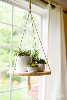 I recently made faux succulent planters and wanted a unique way to display them, and do it on a budget.  I came up with the idea for a floating shelf! [media_id…