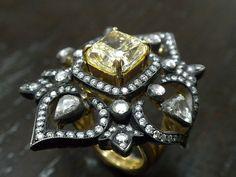 Turkish Jewelry by Grand Bazaar Jewelers Gypsy Jewelry, Jewelry Art, Jewelry Rings, Silver Jewelry, Jewelry Design, Jewlery, Grand Bazaar Istanbul, Turkish Jewelry, Crown Jewels