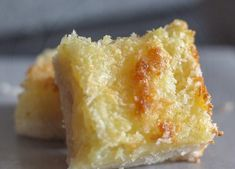 Easy Pineapple Coconut Squares Pineapple Squares, Lemon Squares, Pineapple Desserts, Pineapple Coconut, Pineapple Recipes, Pinapple Cake, Crushed Pineapple, Pastry Recipes, Baking Recipes