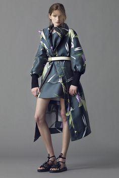 Marni Evening Resort 2015 - Slideshow - Runway, Fashion Week, Fashion Shows, Reviews and Fashion Images - WWD.com