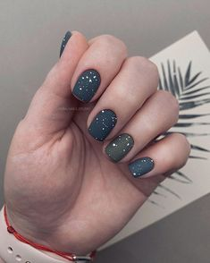 The work of the wizard . Fancy Nails, Cute Nails, Pretty Nails, Minimalist Nails, Nagellack Trends, Stylish Nails, Nagel Gel, Nail Trends, Short Nails