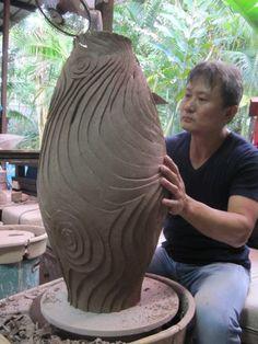 Alvin Tan Teck.- Massive coil pot amazing texture