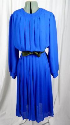 Vintage Retro 1970's bright blue box pleat dress
