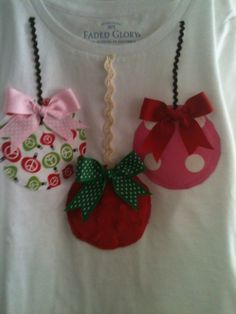 Items similar to Christmas Bow Balls t-shirt on Etsy - Holiday Shirts - Ideas of Holiday Shirts - Christmas Ornaments T-shirt Christmas Jumper Day, Christmas Shirts For Kids, Xmas Shirts, Christmas Bows, Christmas Sewing, Kids Christmas, Christmas Crafts, Christmas Ornaments, Etsy Christmas