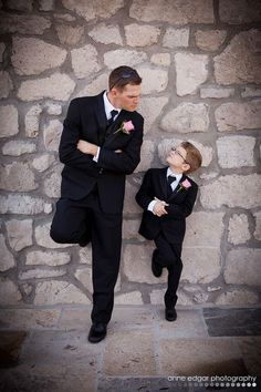 "WANT..... WANT..... WANT!!!!!!   Father and son Wedding Photo! Cute idea!! Even if he's not his ""father""  I will sooooooo need one of these!!!!!!"