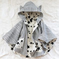a cool little cape for girls - in-the-corner