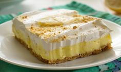 Lemon cream cheese pudding dessert is a no-bake dream! Graham crackers, lemon pudding, cream cheese and whipped topping in a layered lemon dessert! Cheesecake Pudding, Pudding Desserts, Lemon Cheesecake, Dessert Recipes, Cheesecake Recipes, Breakfast Recipes, Lemon Desserts, Delicious Desserts, Yummy Food