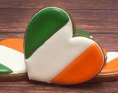 Three hearts irish flag cookies.