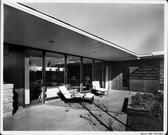 The Post War House (Home of Tomorrow), 4950 Wilshire Blvd, Los Angeles, CA. Built: 1946 by Fritz B. Burns and Welton Becket & Associates.