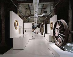 Ausstellungen | 200 Jahre Krupp - Ein Mythos wird besichtigt