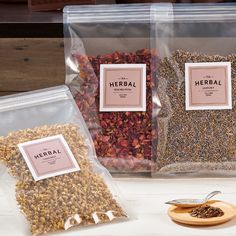 Square product labels on clear food bags Packaging Snack, Spices Packaging, Organic Packaging, Candle Packaging, Food Packaging Design, Packaging Design Inspiration, Tea Labels, Spice Labels, Vegetable Packaging