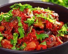 Curry d'aubergines anti-capitons aux tomates et à la coriandre : http://www.fourchette-et-bikini.fr/recettes/recettes-minceur/curry-daubergines-anti-capitons-aux-tomates-et-a-la-coriandre.html