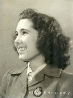 Valerie Middleton, the paternal grandmother of The Duchess of Cambridge, who worked @Erica Archer during #WWII pic.twitter.com/mBVY1BDW2s