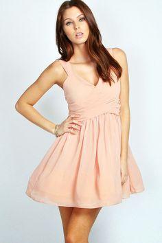 Mini Gece Elbise ve Abiyeleri #moda #elbiseler #abiyeler http://www.enyeniabiyemodelleri.com/mini-gece-elbiseleri/