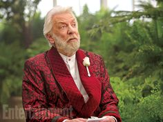 See exclusive Mockingjay images of Katniss's final confrontation with President Snow