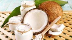 Huile de noix de coco : L'huile de coco s'est révélée être l'un des plus prodigieux ingrédients à avoir sous le coude. Vous pouvez l'utiliser pour la