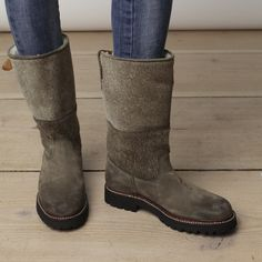 Jackson Boot ~ lined with shearling  COZY