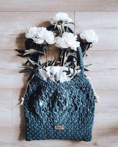 """Polubienia: 114, komentarze: 4 – Justyna Broźna I BOHO handmade (@bloomart.handmade) na Instagramie: """"Macrame bag XL - kolor PETROL dostępna na zamówienie w wiadomości prywatnej lub e-mail! 💚Przewiń w…"""" Wreaths, Halloween, Instagram, Home Decor, Door Wreaths, Deco Mesh Wreaths, Interior Design, Halloween Stuff, Home Interior Design"""