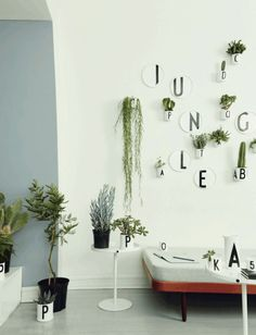 Bo med planter // plants botanic living nordic scandinavian home grafic