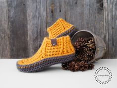 Crochet Boots, Knit Boots, Crochet Shirt, Crochet Slippers, Crochet Slipper Pattern, Crochet Patterns, Super Bulky Yarn, Slipper Boots, Digital Pattern