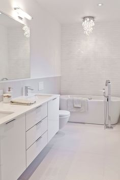 White Vanity Bathroom Ideas New 20 Flawless All White Bathroom Designs Small White Bathrooms, Modern White Bathroom, White Vanity Bathroom, Modern Vanity, Bathroom Small, Luxury Bathrooms, Dream Bathrooms, Modern Bathroom Vanities, Bathroom Ideas White