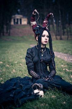 Dread Artist Unknown #gothic #fashion #gothic_fashion #goth