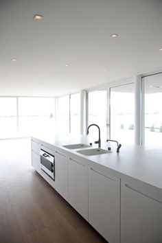 Boffi Kitchen: would prefer a different color