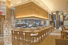 Brushtroke: em Nova York, o restô tem projeto dos arquitetos japoneses do escritório de design Super Potato, e traz pedras naturais, madeira reciclada e aço reaproveitado